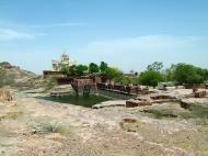 Asisbiz Rajasthan Jodhpur Jaswant Thada Dam India Apr 2004 01