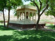 Asisbiz Rajasthan Jodhpur Jaswant Thada India Apr 2004 03