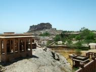 Asisbiz Rajasthan Jodhpur Mehrangarh Fort Jaswant Thada Dam India Apr 2004 01