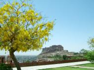 Asisbiz Rajasthan Jodhpur Mehrangarh Fort Jaswant Thada courtyard India Apr 2004 02