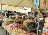Asisbiz Rajasthan Jodhpur Sardar Market vegetable stalls India Apr 2004 01