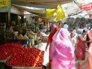 Asisbiz Rajasthan Jodhpur Sardar Market vegetable stalls India Apr 2004 02