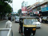 Asisbiz Kerala Kochi main drag India May 2004 01
