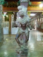 Asisbiz Madurai Sri Meenakshi Temple Thousand Pillar Hall India May 2005 04