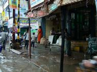 Asisbiz Madurai Sri Meenakshi Temple main road flooding India May 2005 03