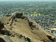 Asisbiz Nahargarh Fort Aravalli Hills overlooking city of Jaipur India Apr 2004 05
