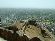 Asisbiz Nahargarh Fort Aravalli Hills overlooking city of Jaipur India Apr 2004 06