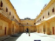 Asisbiz Rajasthan Jaipur Nahargarh Fort compound India Apr 2004 02