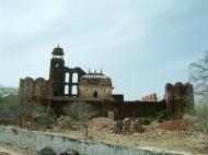 Asisbiz Rajasthan Jaipur Nahargarh Fort perimeter fortifications India Apr 2004 01