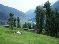 Asisbiz Kashmir Pahalgam Valley Treking by mountain pony India Apr 2004 048