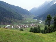 Asisbiz Kashmir Pahalgam Valley Treking by mountain pony India Apr 2004 049