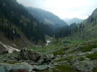 Asisbiz Kashmir Pahalgam Valley Treking by mountain pony India Apr 2004 054