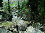 Asisbiz Kashmir Pahalgam Valley Treking by mountain pony India Apr 2004 057