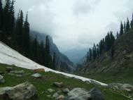 Asisbiz Kashmir Pahalgam Valley Treking by mountain pony India Apr 2004 075