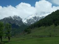 Asisbiz Kashmir Pahalgam Valley Treking by mountain pony India Apr 2004 109