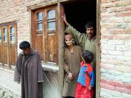 Asisbiz Kashmir Pahalgam Valley villagers India Apr 2004 01