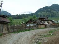 Asisbiz Kashmir Pahalgam Valley villagers homes India Apr 2004 01