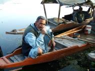 Asisbiz Kashmir Srinagar Shikaras Dal lake India Apr 2004 04