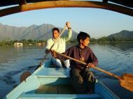 Asisbiz Kashmir Srinagar Shikaras Dal lake India Apr 2004 17