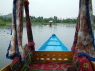 Asisbiz Kashmir Srinagar Shikaras Dal lake India Apr 2004 19