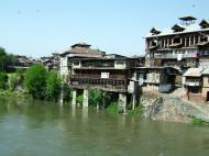Asisbiz Kashmir Srinagar old city center India Apr 2004 02