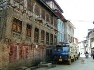 Asisbiz Kashmir Srinagar old city center India Apr 2004 06