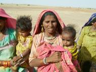 Asisbiz Rajasthan Jaisalmer Thar Desert tribes Gypseys Arp 2004 06