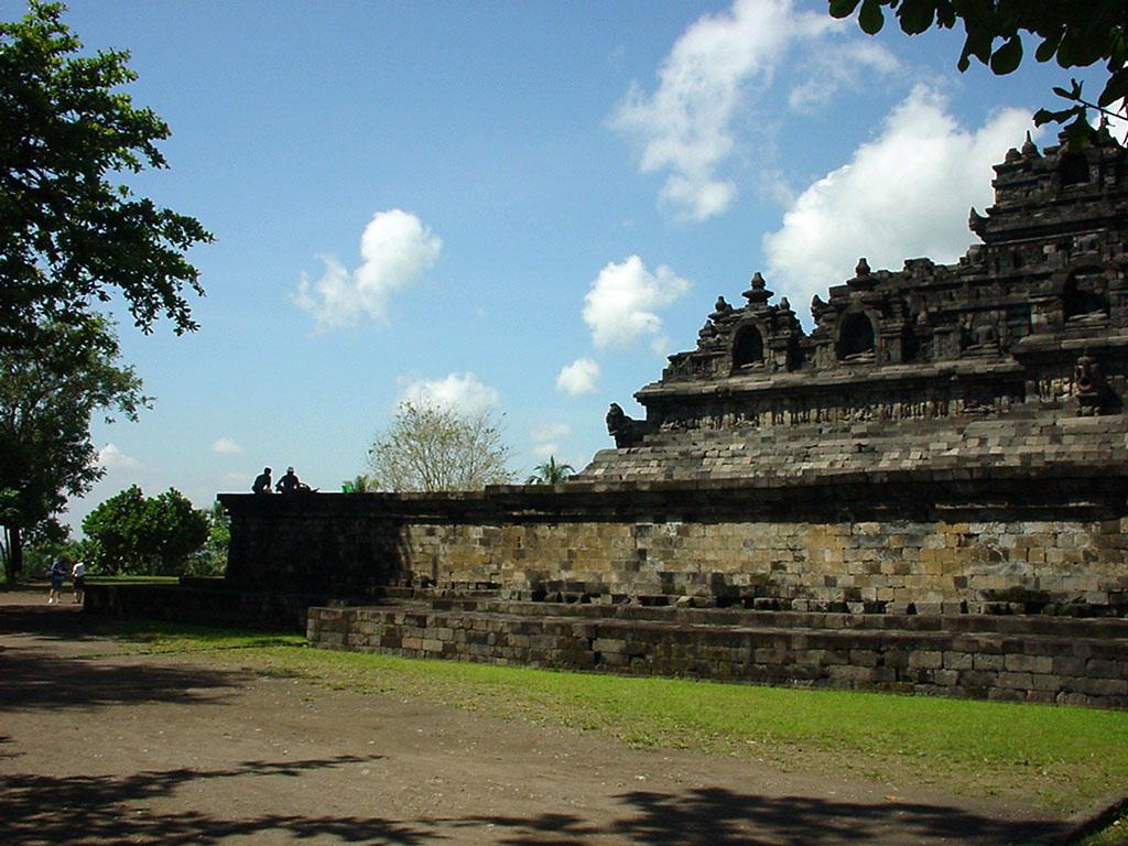 Java Yogyakarta Yogya Borobudur Pagoda Aug 2000 05