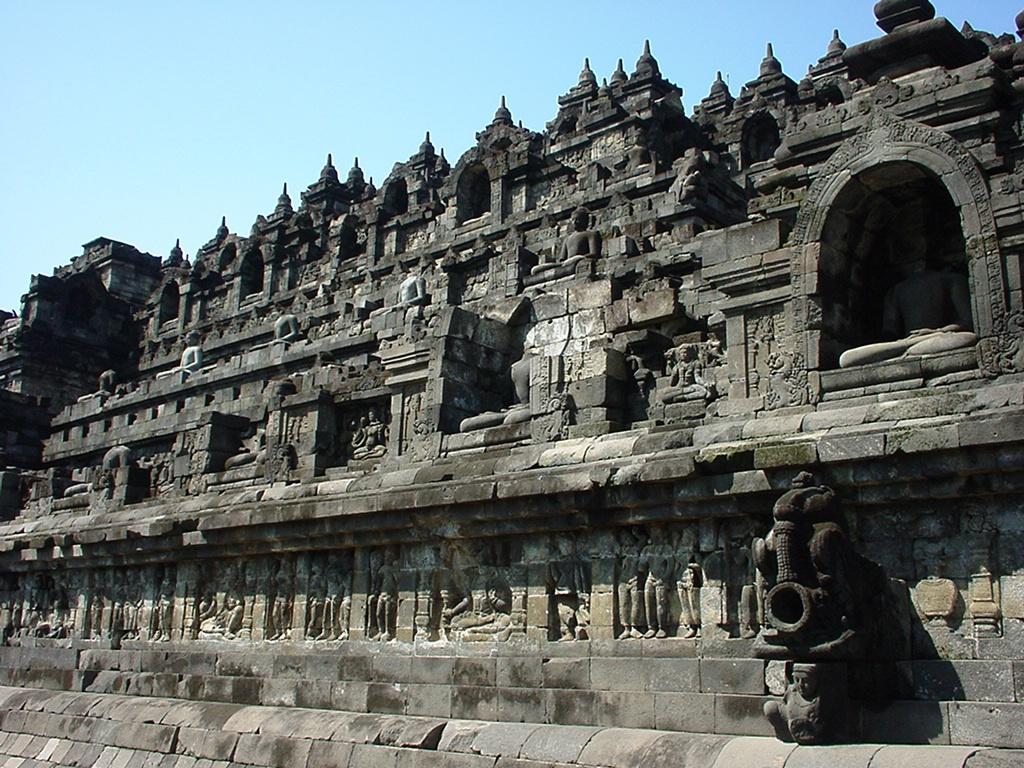 Java Yogyakarta Yogya Borobudur Pagoda Aug 2000 07