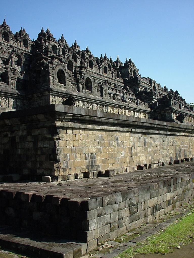 Java Yogyakarta Yogya Borobudur Pagoda Aug 2000 08