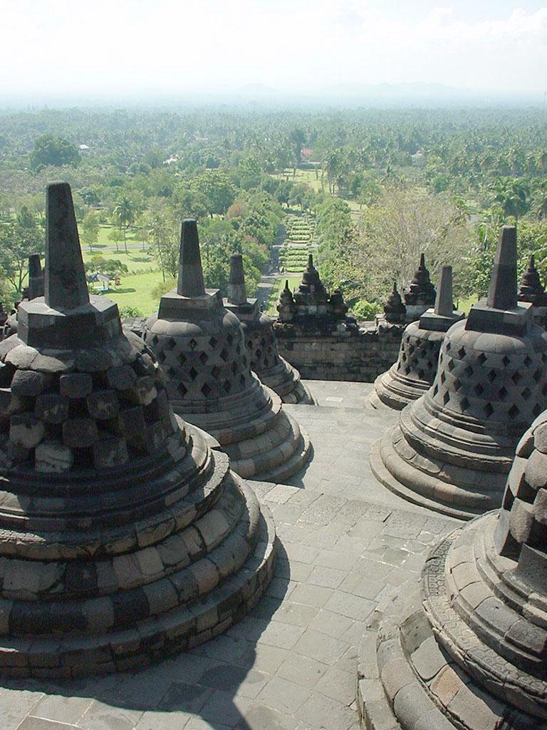 Java Yogyakarta Yogya Borobudur Pagoda stupas Aug 2000 09