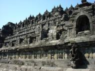 Asisbiz Java Yogyakarta Yogya Borobudur Pagoda Aug 2000 07