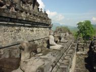 Asisbiz Java Yogyakarta Yogya Borobudur Pagoda Buddhas Aug 2000 05