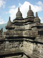 Asisbiz Java Yogyakarta Yogya Borobudur Pagoda Mosaics Aug 2000 13