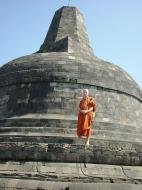 Asisbiz Java Yogyakarta Yogya Borobudur Pagoda stupas Aug 2000 01