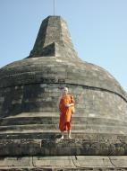 Asisbiz Java Yogyakarta Yogya Borobudur Pagoda stupas Aug 2000 02