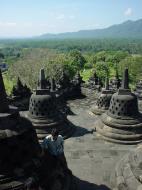Asisbiz Java Yogyakarta Yogya Borobudur Pagoda stupas Aug 2000 08