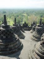Asisbiz Java Yogyakarta Yogya Borobudur Pagoda stupas Aug 2000 09