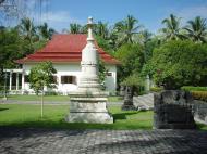 Asisbiz Mendut Monastery Mungkid Magelang Regency Central Java Aug 2000 03