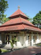 Asisbiz Mendut Monastery Mungkid Magelang Regency Central Java Aug 2000 04
