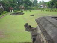 Asisbiz Mendut Temple Mungkid Magelang Regency Central Java Aug 2000 04