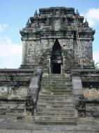 Asisbiz Mendut Temple Mungkid Magelang Regency Central Java Aug 2000 08