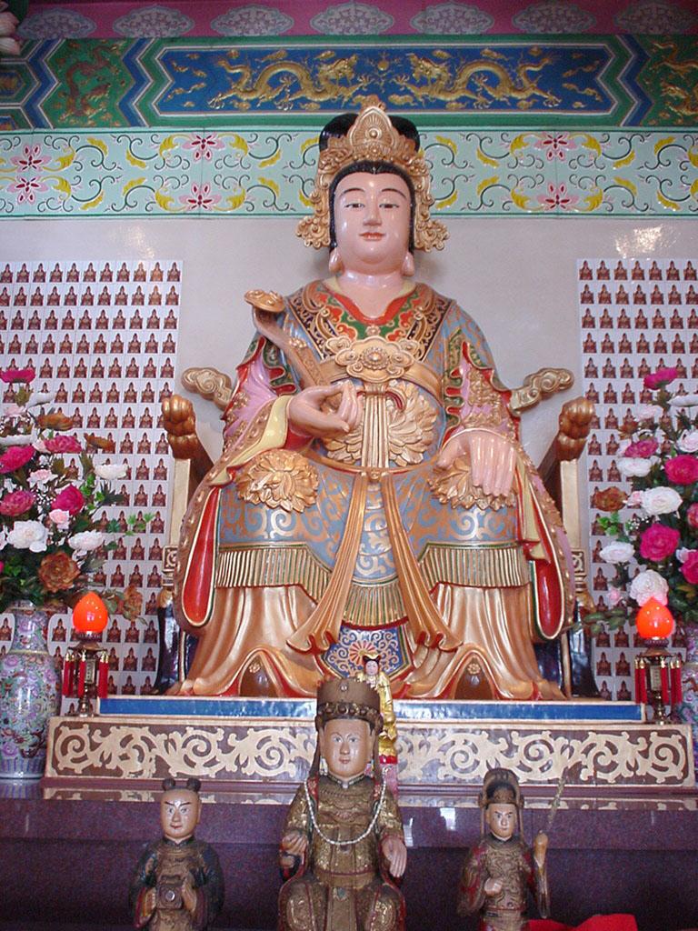 KL Temple Buddhas Aug 2000 01
