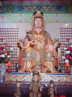 Asisbiz KL Temple Buddhas Aug 2000 01