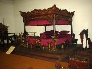 Asisbiz Indonesia Jakarta National Museum Gajah Artifacts Aug 2000 08