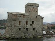 Asisbiz Wikipedia the castle on the seafront of Rapall Italy 01