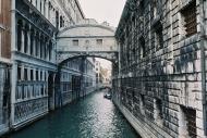 Asisbiz The Ponte dei Sospiri the Bridge of Sighs Venice Italy 01