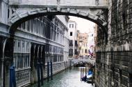 Asisbiz The Ponte dei Sospiri the Bridge of Sighs Venice Italy 02