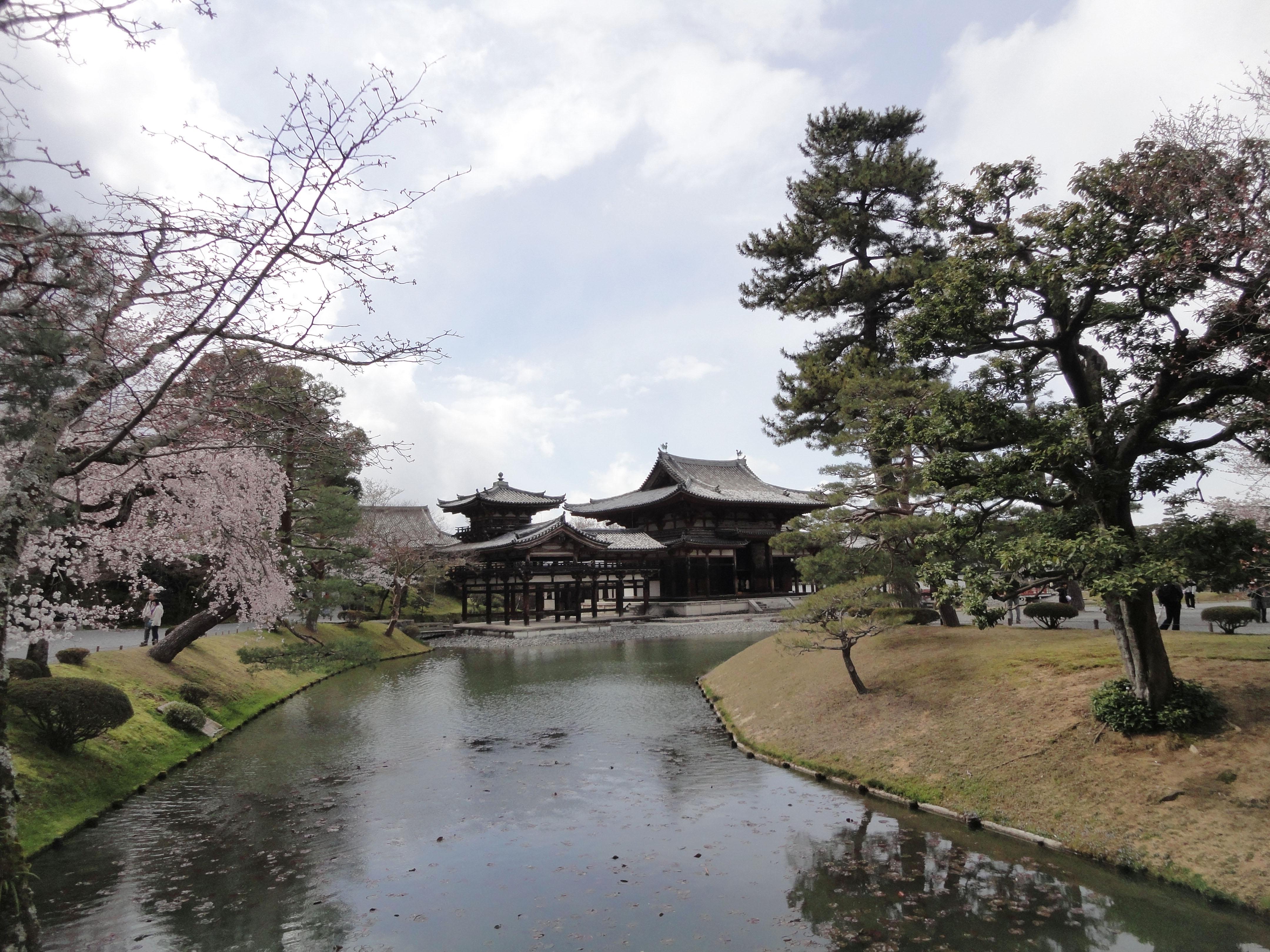 Byodo in temple Jodo shiki garden walkway facing Phoenix Hall Kyoto Japan 05