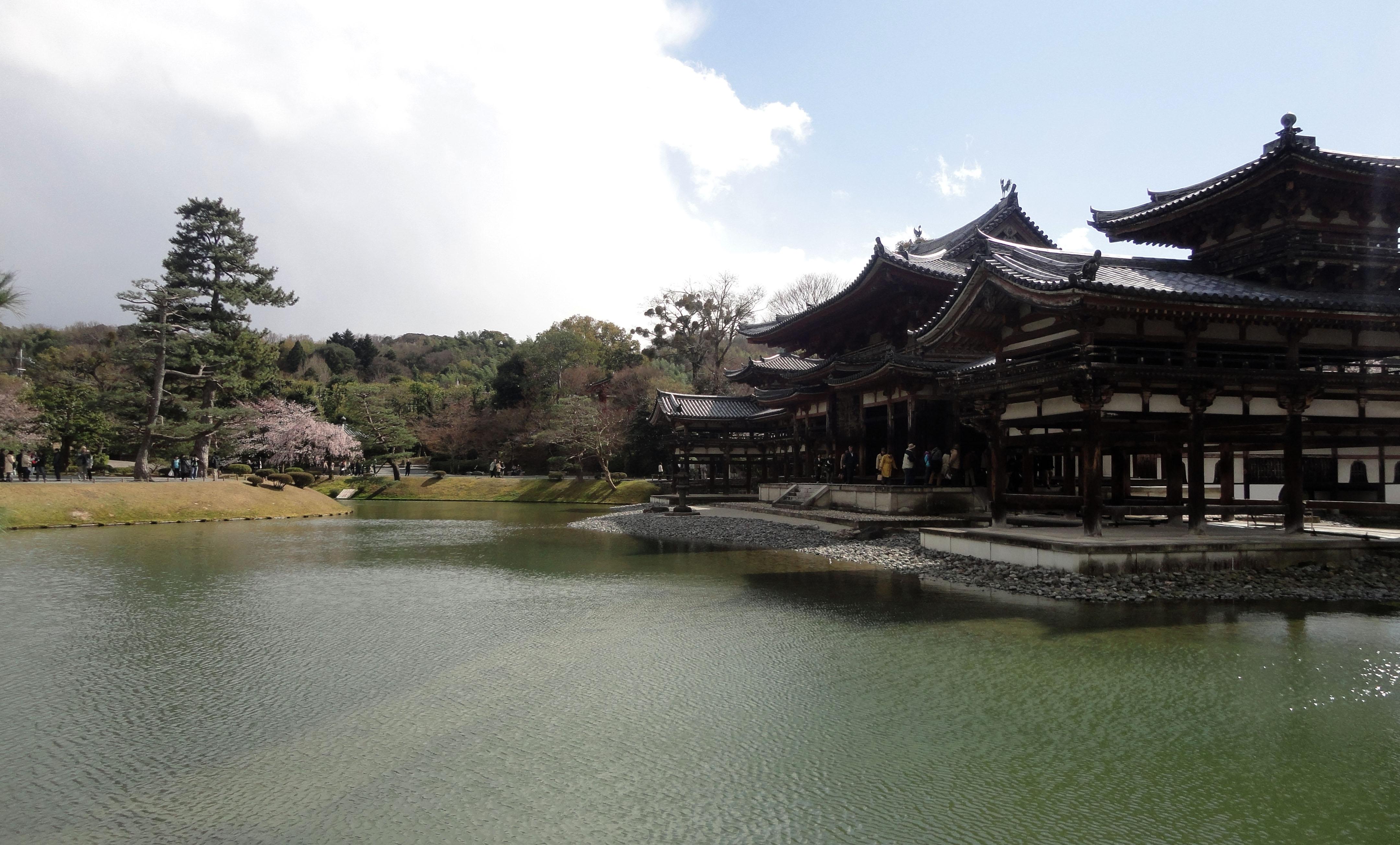 Byodo in temple Phoenix Hall Jodo shiki garden pond Kyoto Japan 01